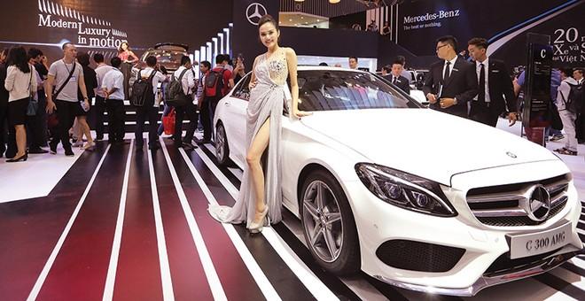 Mercedes-Benz Việt Nam phá kỷ lục của thị trường xe sang
