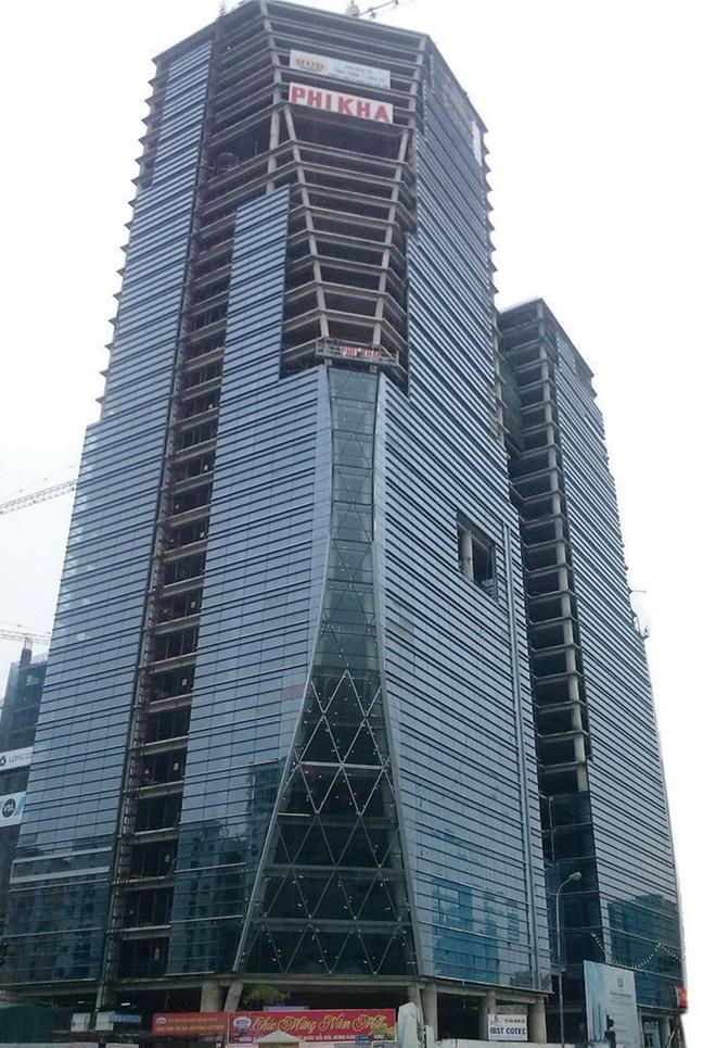 """HUD """"mắc kẹt"""" tại tòa tháp ngàn tỷ trên đường Lê Văn Lương"""