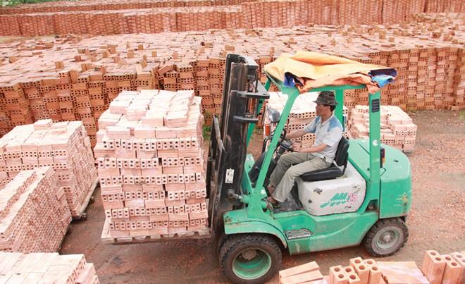 Lý giải vì sao năng lực cạnh tranh của doanh nghiệp Việt yếu kém