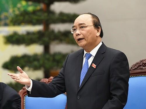 Thủ tướng: Nghiêm cấm ban hành giấy phép con làm khó doanh nghiệp
