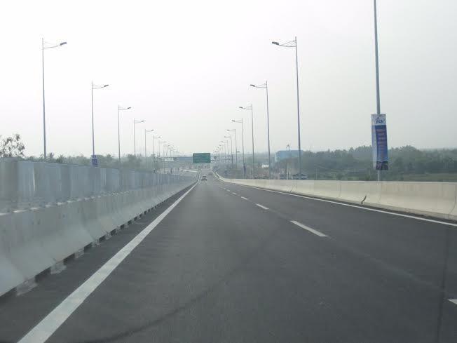Cao tốc Long Thành - Dầu Giây xuất hiện hư hỏng khe co giãn