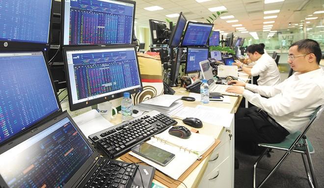 Trụ đỡ vốn ngoại vẫn vững