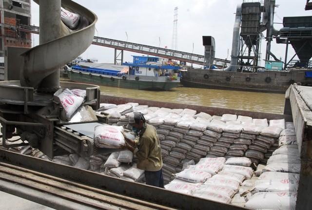 Việt Nam sẽ tiếp tục dư cung xi măng trong vòng 10 năm tới