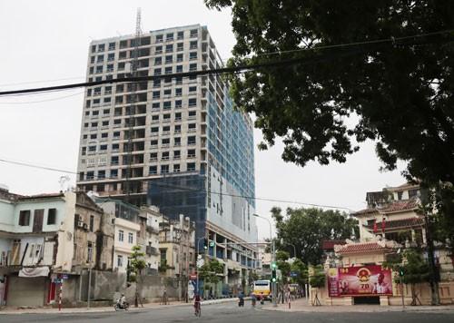 Chủ tịch Hà Nội Nguyễn Đức Chung: Sẵn sàng ứng tiền phá dỡ vi phạm tại dự án 8B Lê Trực