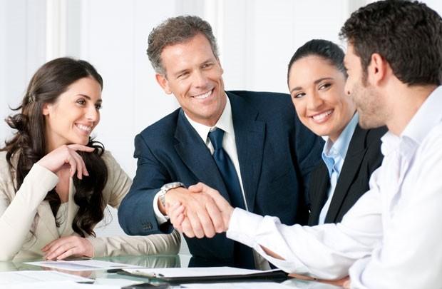 Sếp bất động sản nhận lương 100 triệu đồng/tháng