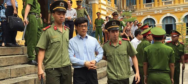 """Đại án VNCB: Bị cáo Phạm Công Danh """"đòi"""" lại tiền đã mua TrustBank…"""