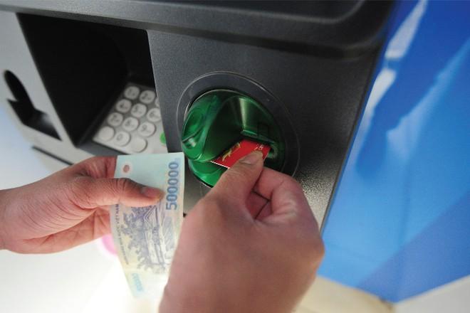 Cảnh báo rủi ro giao dịch qua thẻ