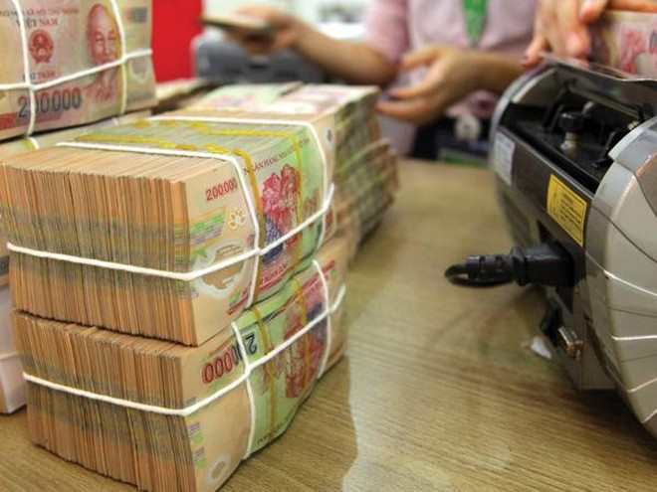 Bán nợ: Trăm kẻ bán, vài người mua