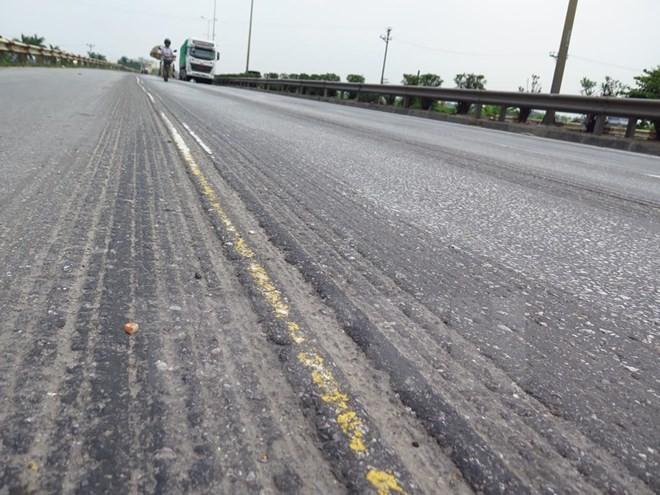 Dừng thu phí tuyến Quốc lộ 5 nếu không sửa chữa khắc phục hư hỏng, xuống cấp
