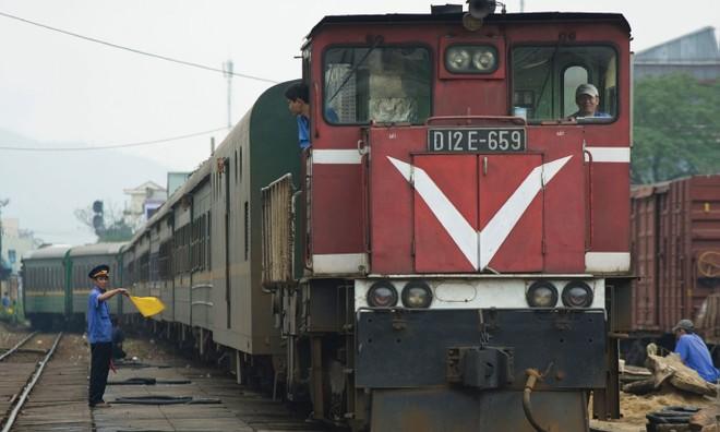 """Lên sàn, cơ hội """"thức tỉnh"""" cho doanh nghiệp đường sắt"""