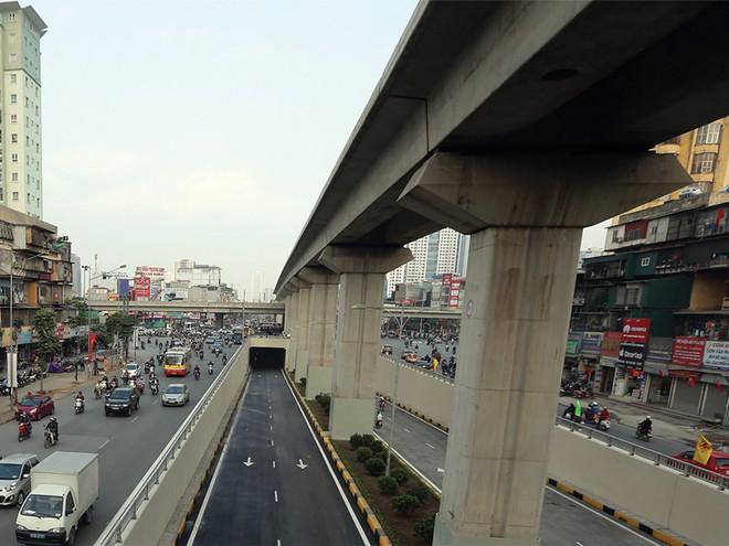Bí lối ra gói bảo hiểm Đường sắt đô thị Cát Linh - Hà Đông