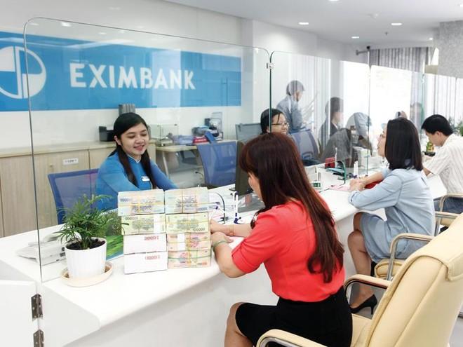 Ngân hàng cố thủ lãi suất vì lo dự phòng thanh khoản