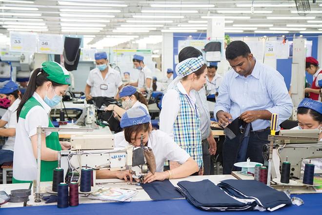 Hé lộ 311 doanh nghiệp vào vòng sơ tuyển doanh nghiệp xuất khẩu uy tín 2015