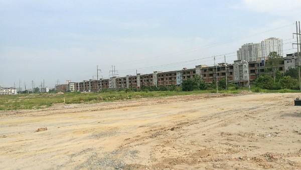 Ngán chung cư, nhà đầu tư đổ vốn vào đất nền