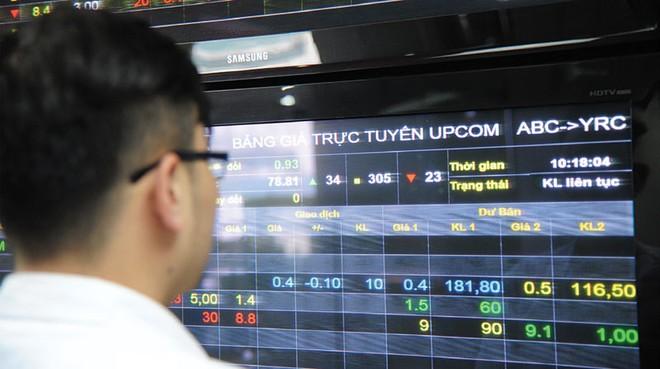 """Nhà đầu tư nhỏ có cơ hội với cổ phiếu """"nóng"""" UPCoM"""