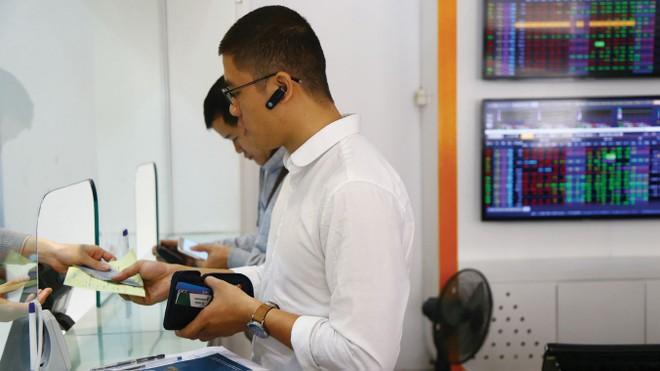 Gỡ nút thắt về quản lý tiền trên thị trường chứng khoán phái sinh
