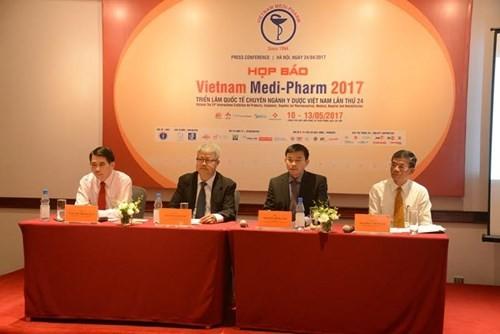 Hơn 400 doanh nghiệp tham dự Vietnam medi-pharm 2017