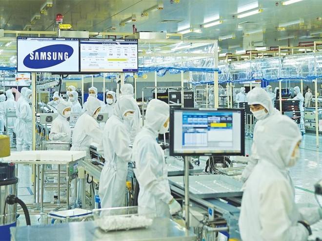"""Kinh tế Việt Nam """"trông"""" vào Samsung?"""