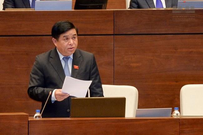 Bộ trưởng Nguyễn Chí Dũng trả lời chất vấn về đầu tư công