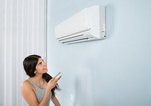 """Nắng nóng kéo dài, dùng điều hòa ra sao để không dính cảnh """"tiền mất tật mang""""?"""