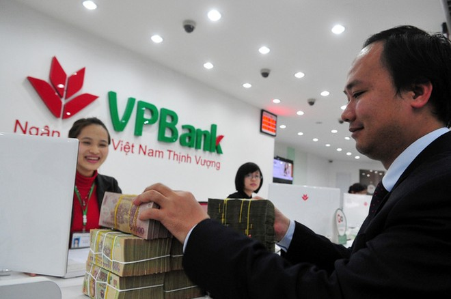 VPBank lãi hơn 900 tỷ đồng chỉ trong 1 tháng