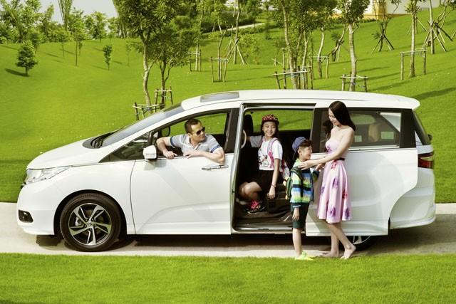 Người Việt muốn thành công hãy ước mơ sắm ôtô