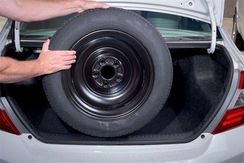 Vì sao ngày càng nhiều hãng ô tô bỏ lốp dự phòng?
