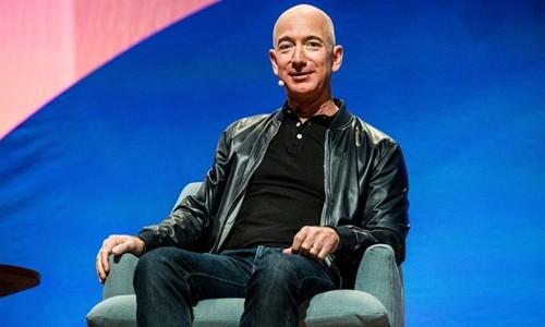 Tài sản ông chủ Amazon lên 101 tỷ USD