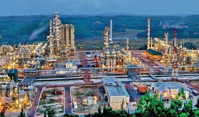 Cuộc đua tam mã của cổ phiếu họ dầu khí