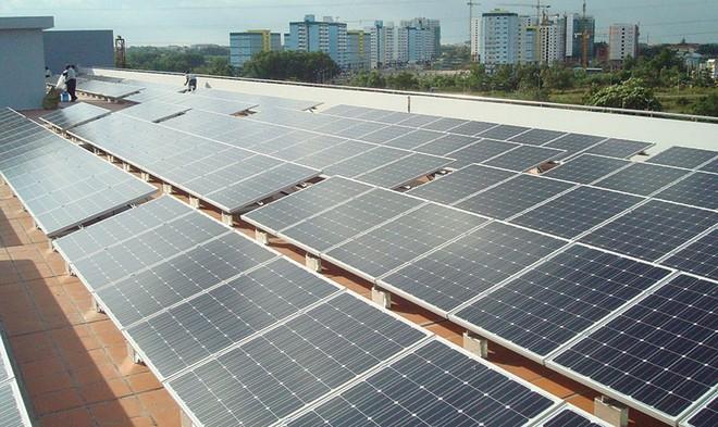 Nếu mỗi mái nhà chung cư trở thành một nhà máy phát điện...
