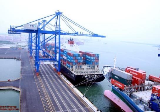 Thặng dư thương mại tháng 10 đạt 900 triệu USD