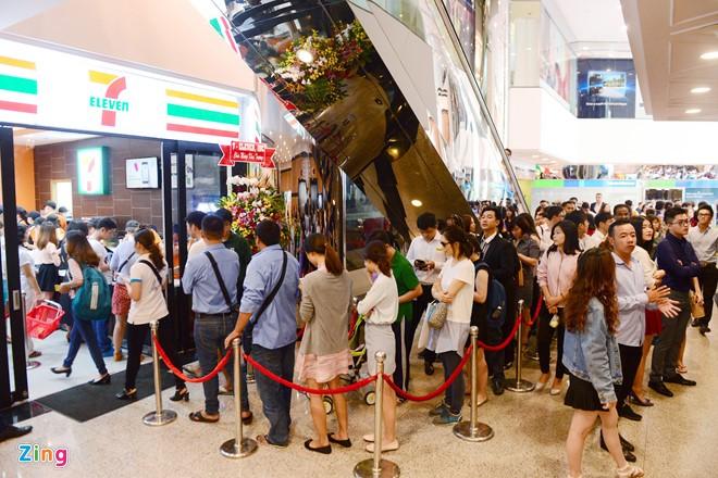 Kinh doanh tại Việt Nam, vì sao 7-Eleven, Zara, H&M, McDonald 'ngại' ra Bắc?
