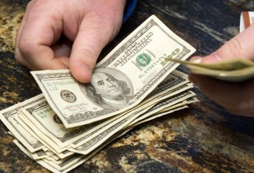 Nữ giúp việc trộm hơn 2.000 USD của Tổng lãnh sự Ấn Độ