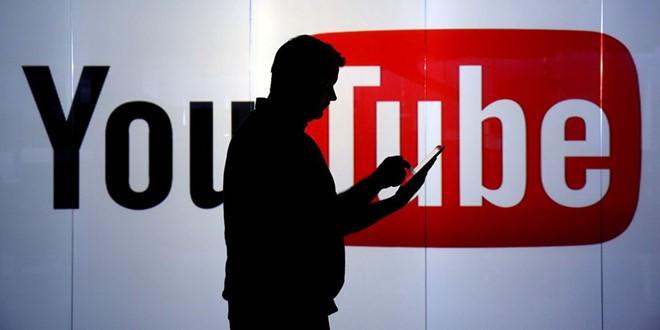 Quảng cáo cạnh video đen: Hãng lo xử lý, hãng thờ ơ