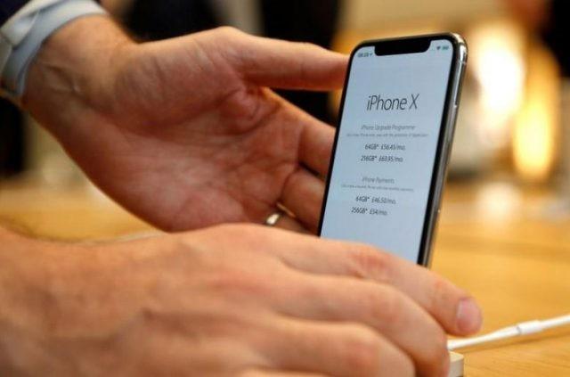Ông lớn bán lẻ Việt Nam bội thu đơn đặt hàng iPhone X