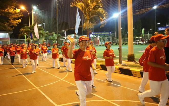 """Sắc đỏ Vietjet rực rỡ trong """"Ngày chạy Olympic vì sức khỏe nhân dân"""""""