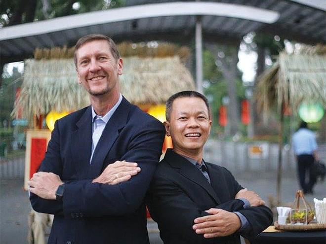 Stephen Kerslake - Trần Đăng Đàn: Cặp song tấu Anh - Việt và mối thâm tình với ẩm thực
