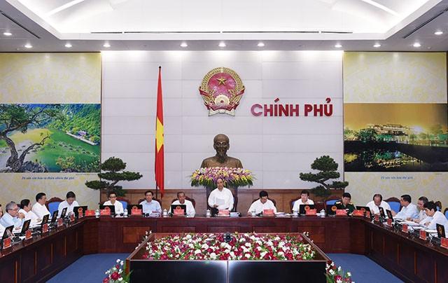 Thủ tướng Nguyễn Xuân Phúc: Kiên định với mục tiêu tăng trưởng 6,7%