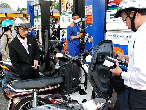 Điều hành thuế xăng dầu: Lại lộ ra nhiều bất cập