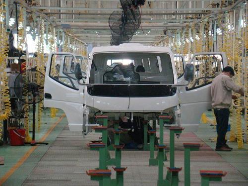 Một công ty Việt 'ngồi chơi' vẫn thu nghìn tỷ từ các đế chế ngành xe