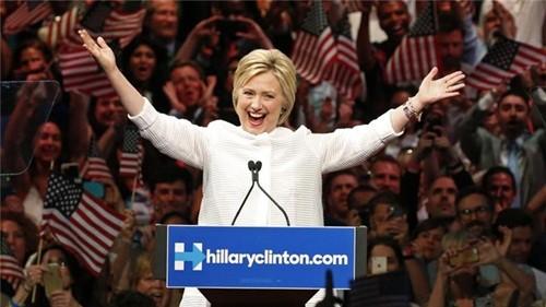 Hillary Clinton tuyên bố chiến thắng trong bầu cử sơ bộ