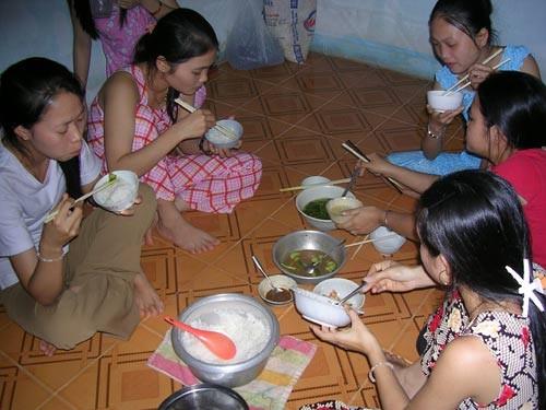 WB: Hàng triệu người dân Việt Nam không có hộ khẩu tại nơi cư trú
