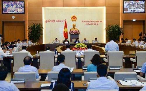 Chính phủ đề nghị sửa 12 luật để gỡ khó cho nền kinh tế