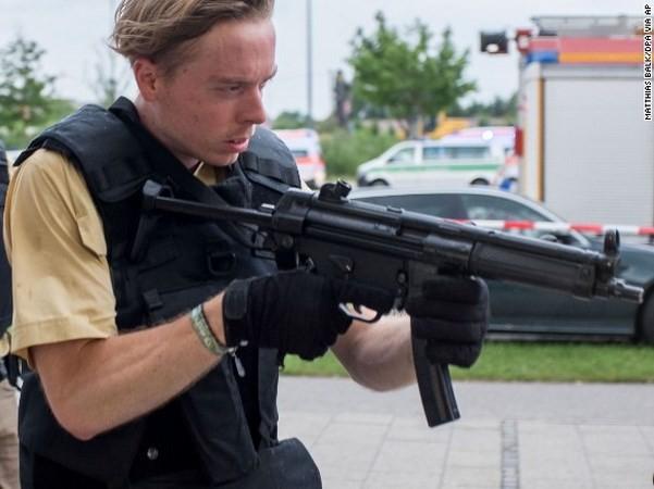 Đức: 10 người chết trong vụ khủng bố trung tâm mua sắm ở Munich