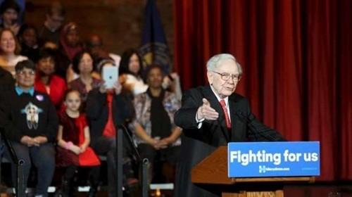 Warren Buffett thách Donald Trump công khai thuế