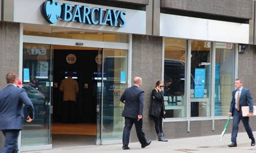 3 nguyên nhân khiến các ngân hàng châu Âu 'nhỏ' đi một nửa sau 1 năm