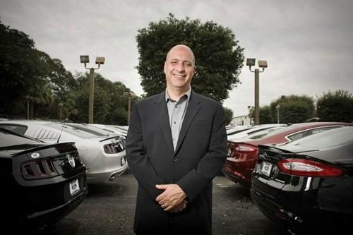 Từ nhân viên rửa xe thành giám đốc công ty triệu USD