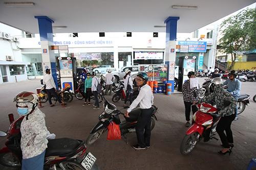 Hôm nay, xăng có thể tăng 500-700 đồng/lít