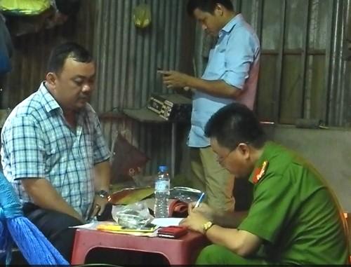 7 người rút ruột xăng dầu ở Sài Gòn bị bắt
