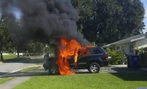 Galaxy Note 7 phát nổ, thiêu rụi một ôtô